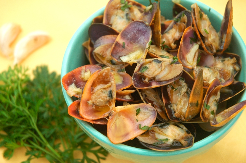 Delicious pipis cooked in garlic and butter